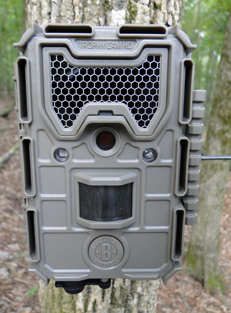 2017 Bushnell Trophy Cam HD Aggressor Camera Review